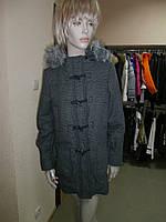 Утепленное пальто с капюшоном