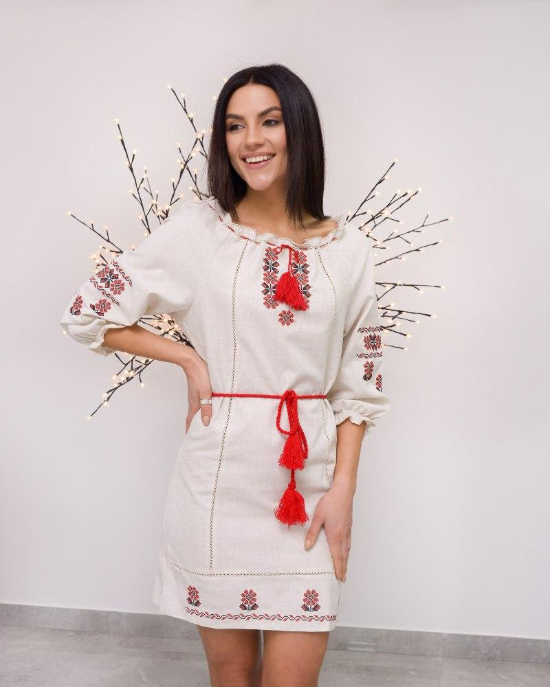 Вишите підліткове плаття для дівчинки з льону Аріна
