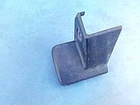 Пластик сидения внизу справа BC1M-57-051C Mazda 323 C BA, 323 F BA