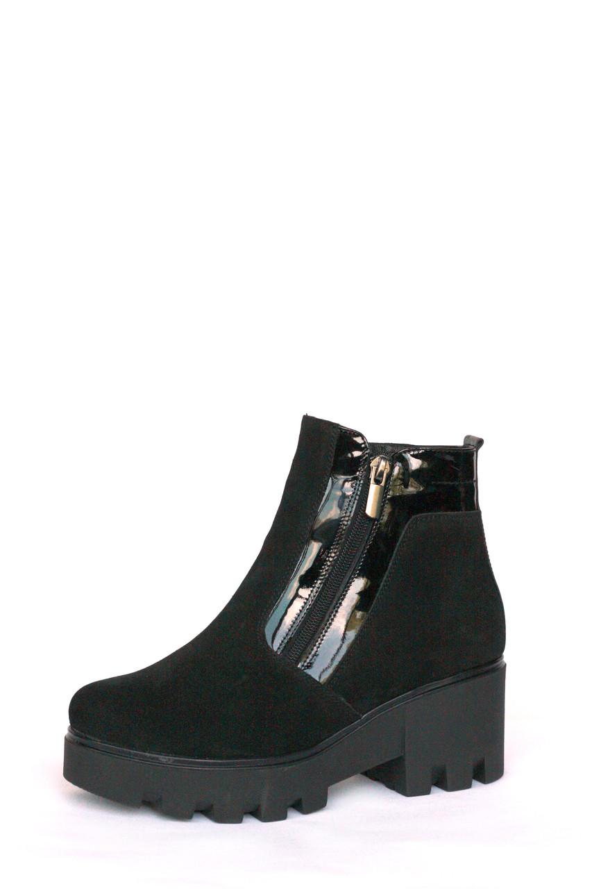 """Зимние замшевые ботинки """"Две молнии на тракторной подошве"""" черного цвета"""