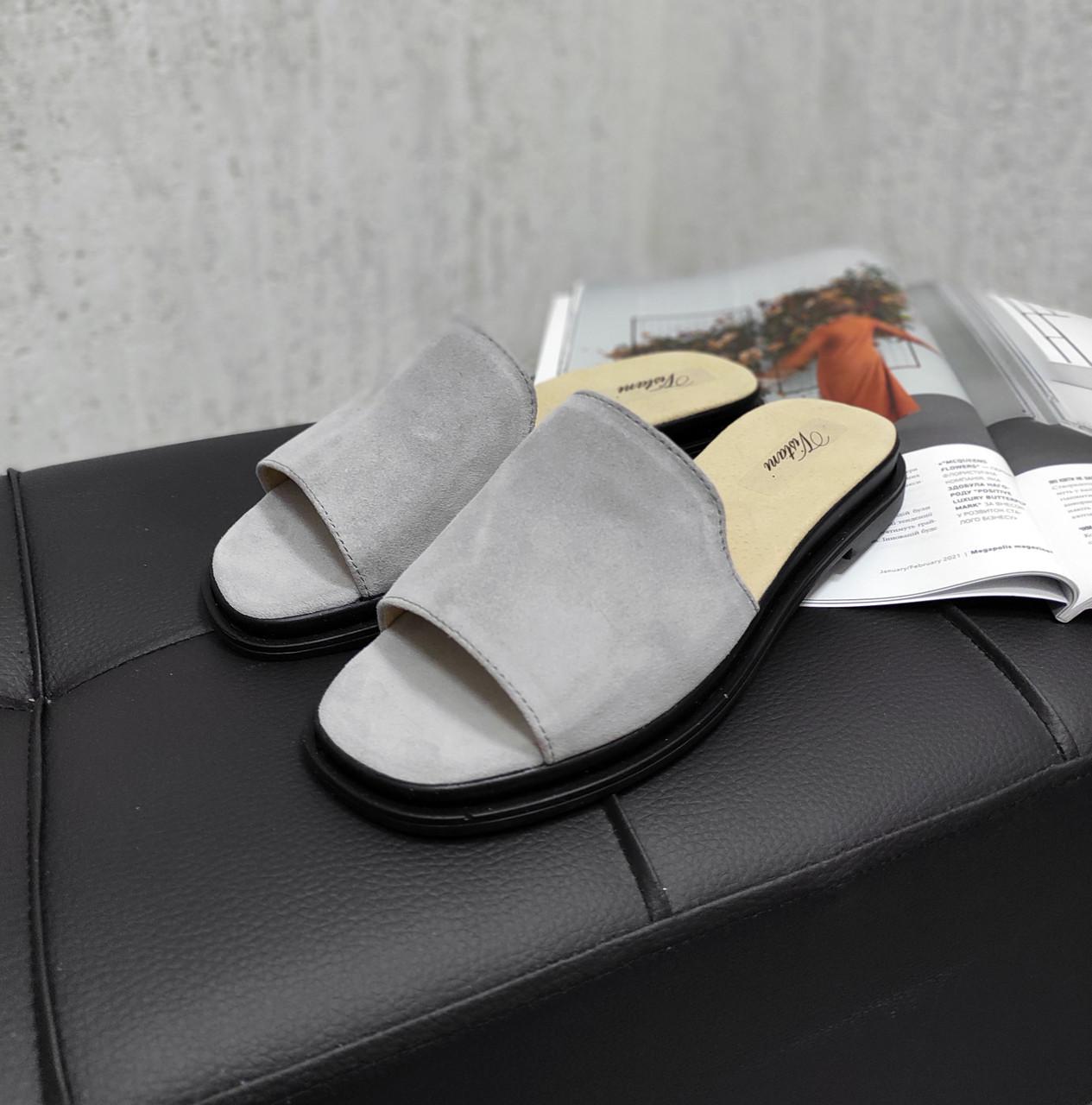 Серные замшевые шлепанцы на платформе