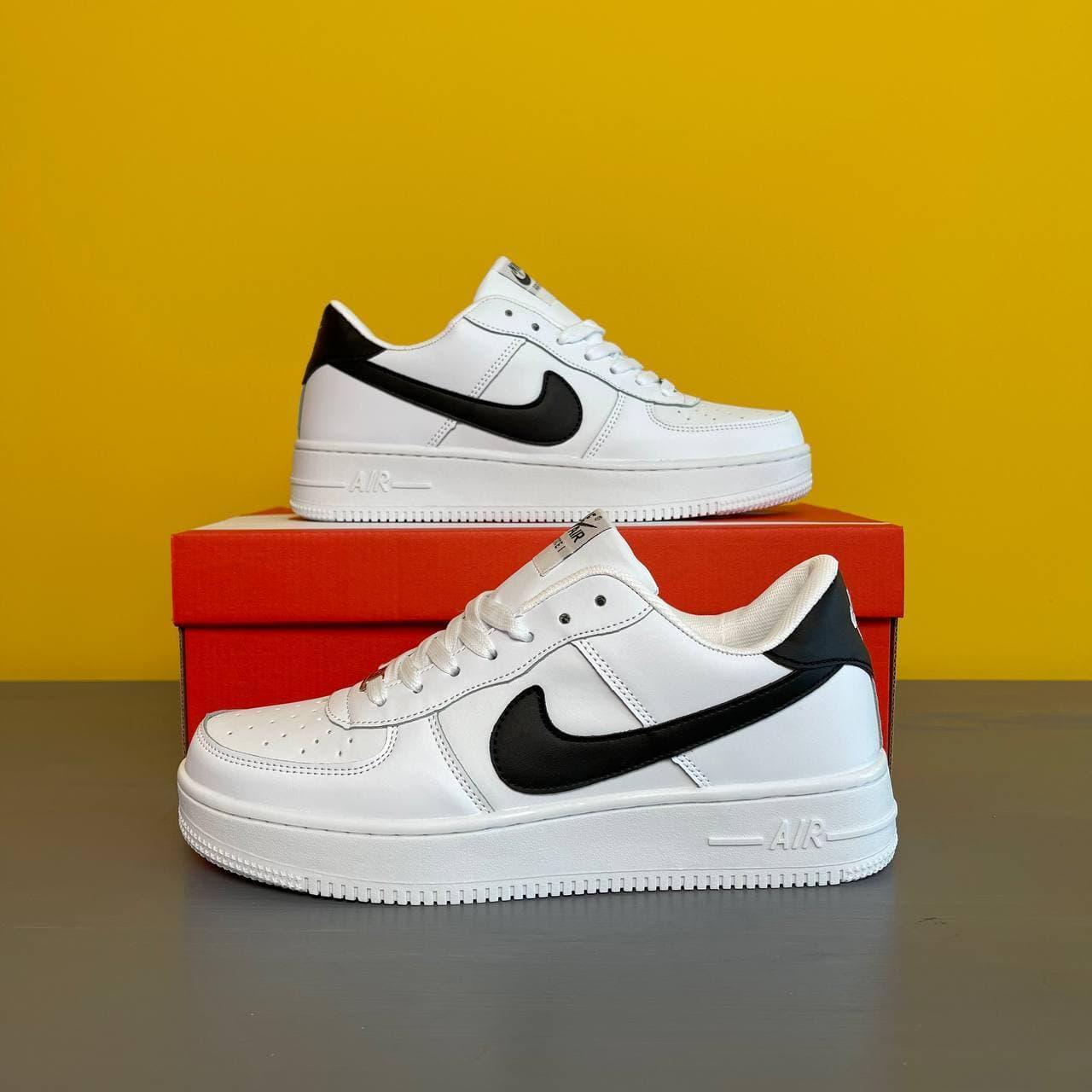 Чоловічі кросівки Nike Air Force 1 (білі) крута взуття з чорним значком DА1195