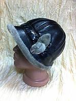 Черная шапочка - жокейка с отворотом украшение из серой нерпы