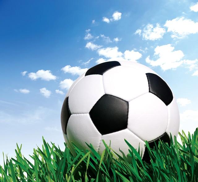 Выбираем футбольный мяч