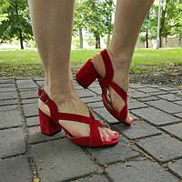 Босоножки на каблуке 5-7см