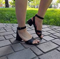 Босоножки на каблуке 3-4см