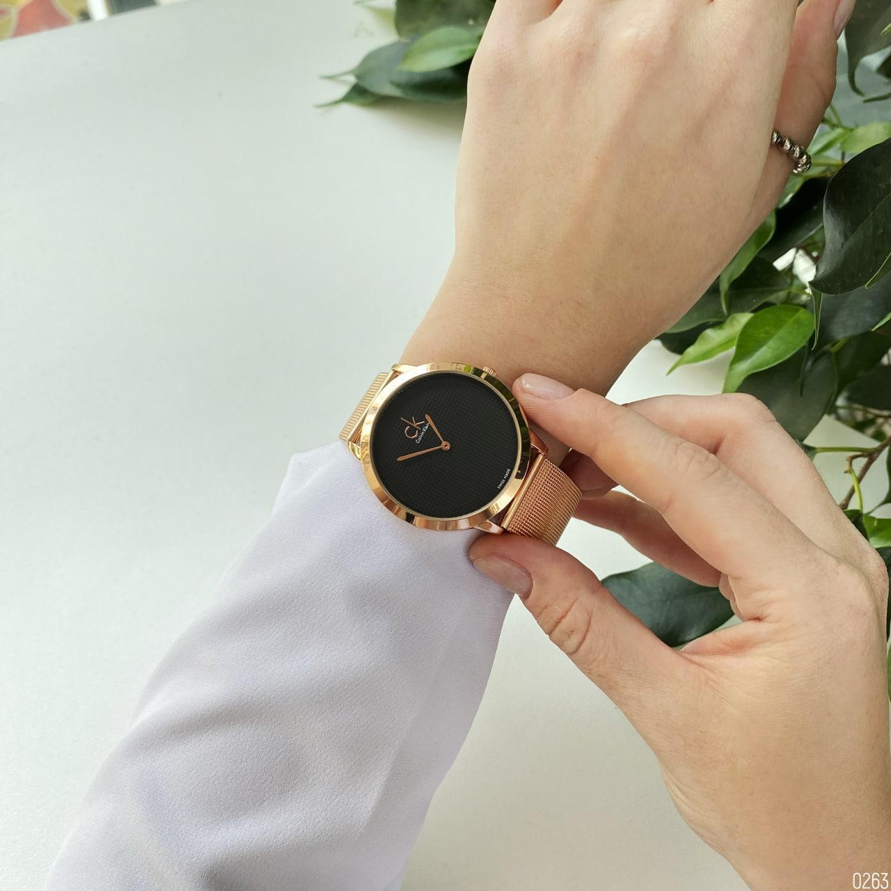 Жіночий кварцевий годинник Calvin Klein 2140F