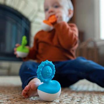 Прорізувач-неваляшка Fat Brain Toys dimpl wobl блакитний (F2174ML)