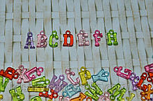 Акриловая подвеска буква английский алфавит от A до Z