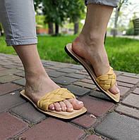 Стильні жіночі шльопанці жовтого кольору на низькому ходу, фото 1