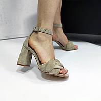 Замшевые босоножки на высоком каблуке, фото 1