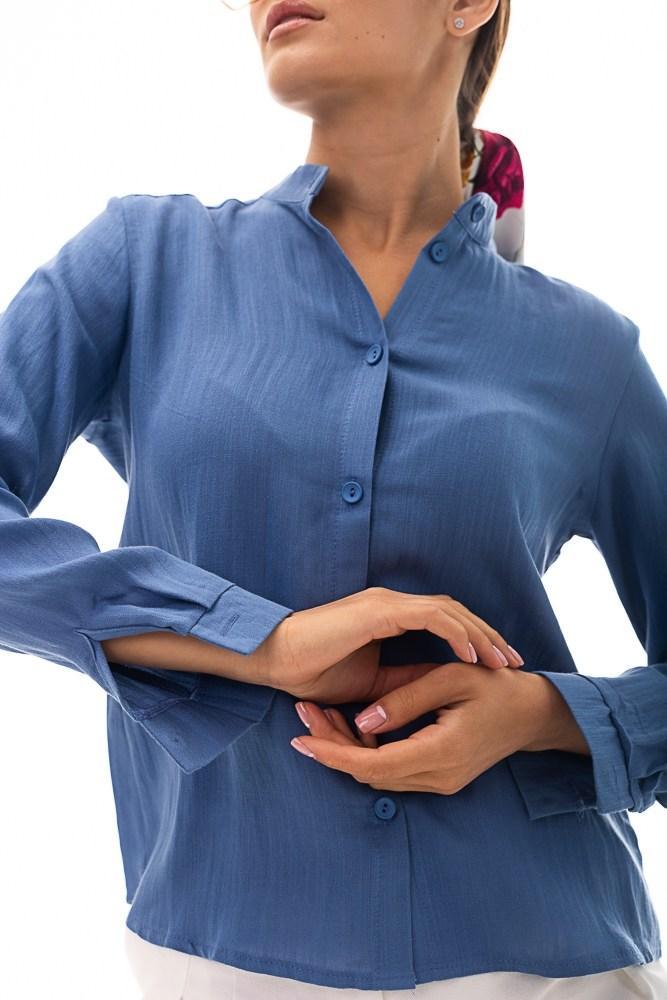 Женская льняная рубашка на пуговицах с длинным рукавом