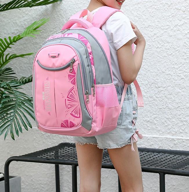 Шкільний місткий рюкзак для дівчинки середніх класів 3-11