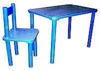 Деревянный стол и два стула