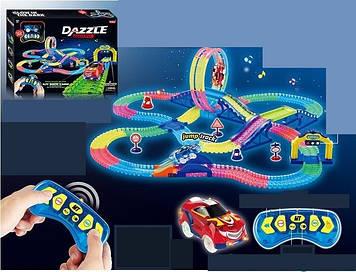 Детский яркий гоночный трек с пультом управления и машинкой которая светится Гоночный трек с машинкой