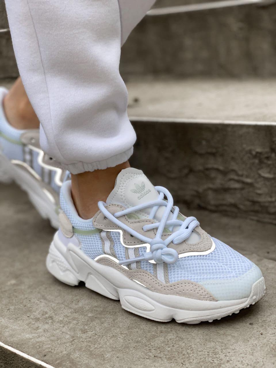 Кроссовки женские Adidas Ozweego белые. Женские кроссовки Адидас белого цвета со вставками.