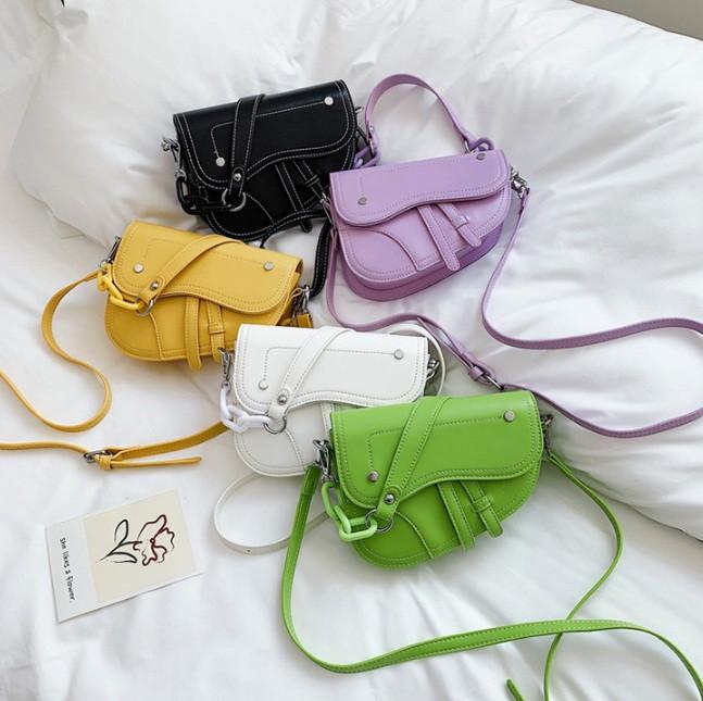 Маленька жіноча сумочка клатч найяскравіша модна. Міні-сумка для дівчат, міні-сумочка еко шкіра