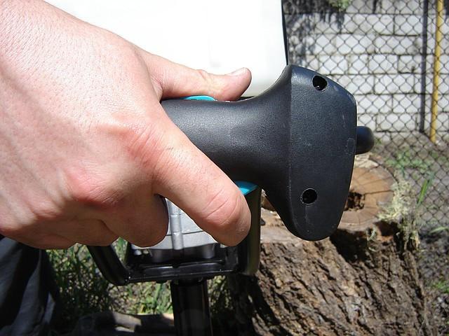 Мотобур Sadko AG-52 фото ручка управления