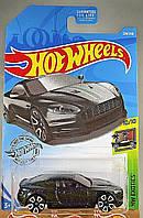Базова машинка Hot Wheels Aston Martin DBS