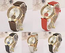 Наручные женские часы KimSeng