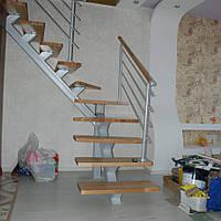 Открытые межэтажные внутренние лестницы на металлических косоурах
