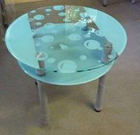 Круглый матовый стол