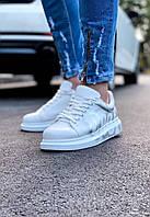 Кроссовки мужские белые стильные c надписью. Мужские кроссовки яркие белого цвета.