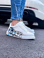 Кроссовки мужские стильные белые с голубой надписью. Мужские кроссовки яркие белого цвета.