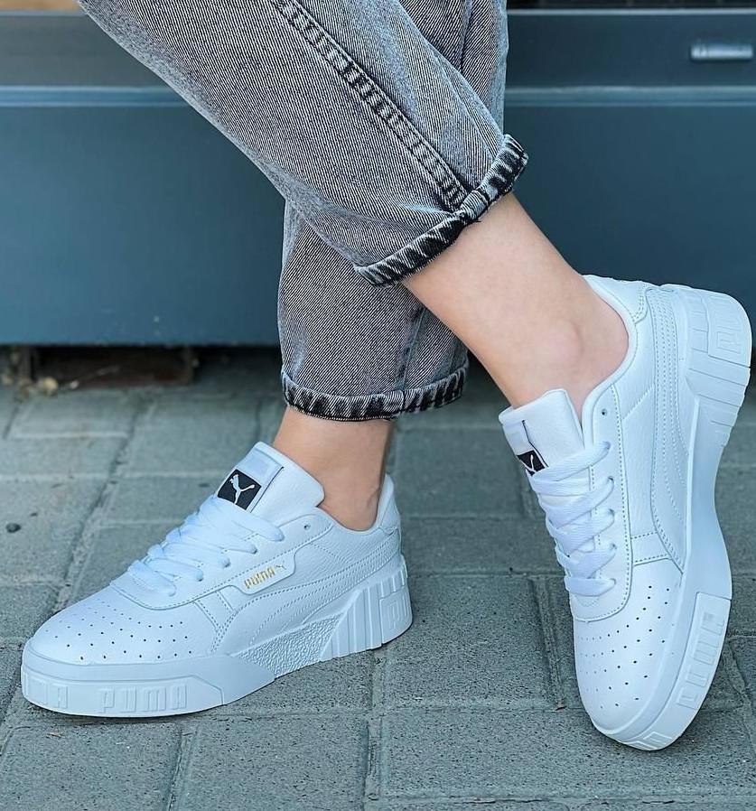 Стильні кросівки /кеди жіночі білі натуральна шкіра з перфорацією