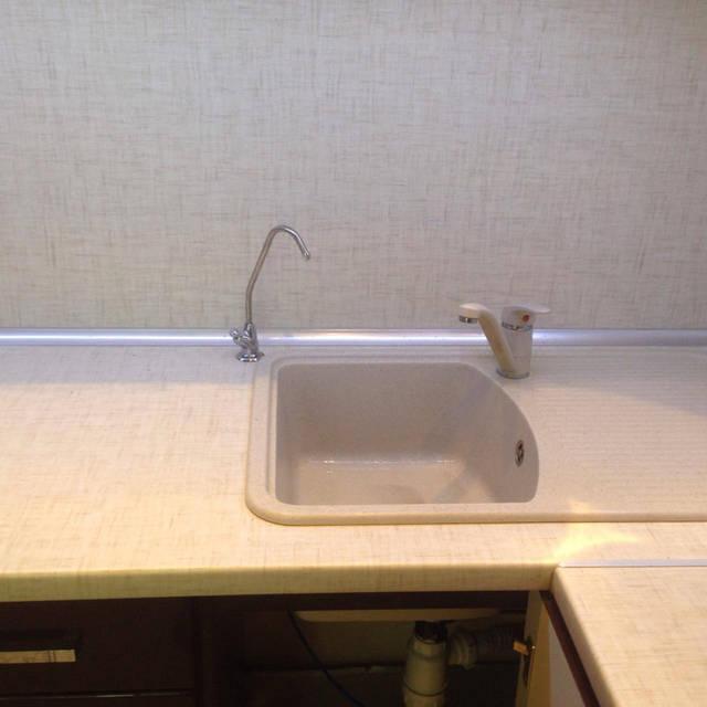 Кран для очищенной воды установлен