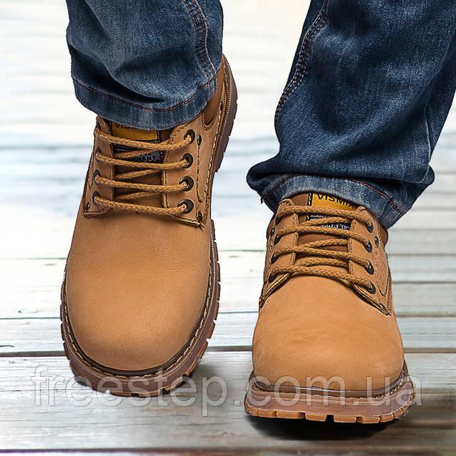 Чоловічі черевики на зиму