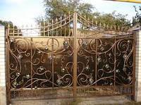 Кованые ворота с поликарбонатом -изготовление и установка Херсон