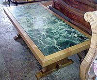 Столик журнальный дубовый с мраморной  плитой