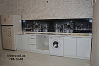 Кухни со стеклянными фасадами на заказ