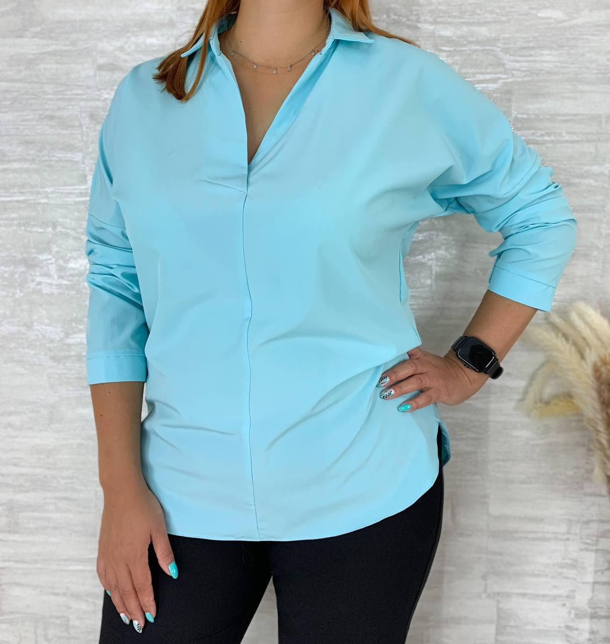 Жіноча блузка великого розміру з коміром