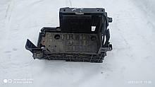Ящик аккумулятора Рено Лагуна 3 б / у