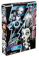 Кукла Монстер Хай Френки Штейн Она живая Monster High Ghoul's Alive Frankie Stein Doll, фото 2