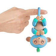 Оригінальна інтерактивна ручна мавпочка двоколірна Чарлі Блакитна Fingerlings 2Tone Monkey Charlie, фото 3