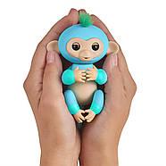 Оригінальна інтерактивна ручна мавпочка двоколірна Чарлі Блакитна Fingerlings 2Tone Monkey Charlie, фото 4