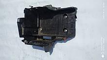 Полка аккумулятора Рено Лагуна 2 б / у