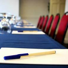 Услуги по организации конференций и форумов