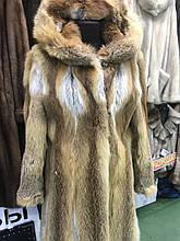 Шуба из лисы с капюшоном натуральный мех лиса в рассрочку 42 44 размер