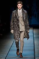 Чоловіче пальто з хутра свакары з англійським коміром