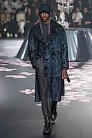 Довге чоловіче пальто з хутра свакары