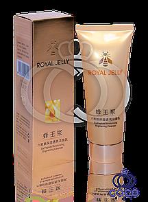 Пінка для вмивання Royal Jelly Six Peptide Moisturizing Brightening Cleanser з маточним молочком і шістьма пепт