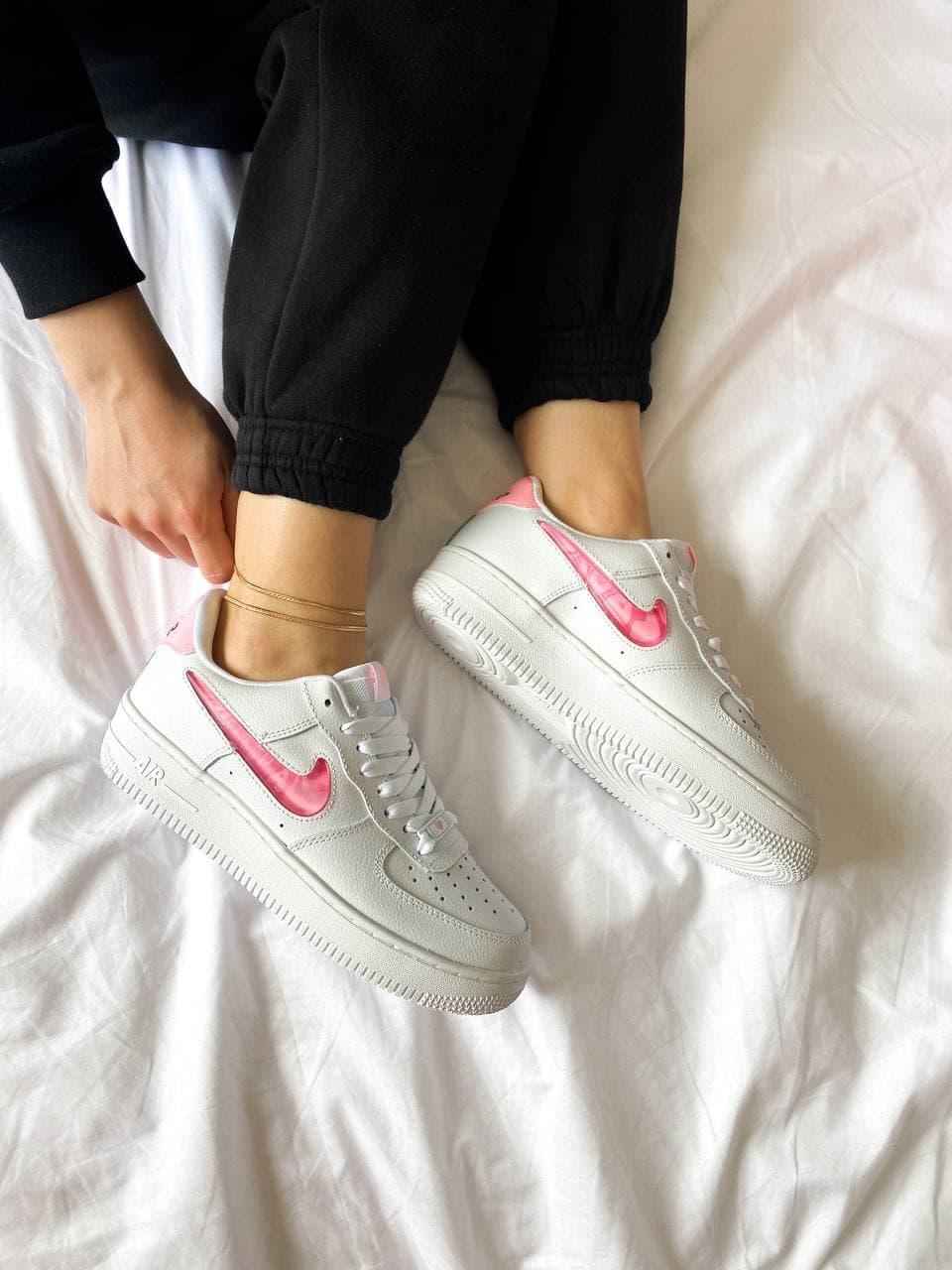 Женские кроссовки Nike Air Force 1  SE Love For All (Белые) K3675