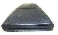 Подушка металлической передней  рессоры  Sprinter / Volkswagen LT 96- (треугольник)