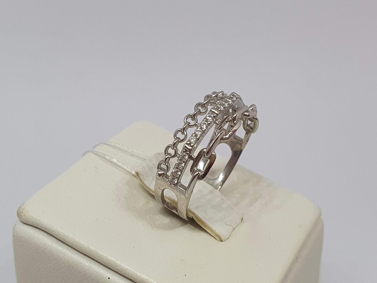 Серебряное кольцо с фианитами. Артикул КВ1503С 18
