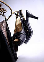 Модные босоножки на каблучке