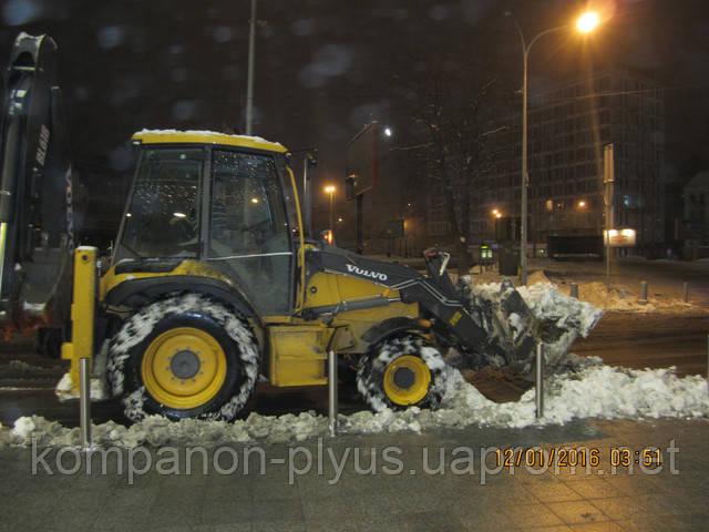 Уборка снега экскаватором